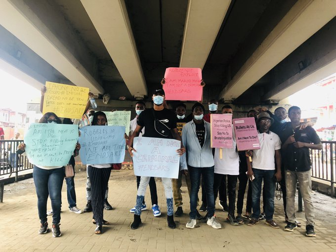 #EndSARS: Lagos youths bear placards and protest against SARS brutality