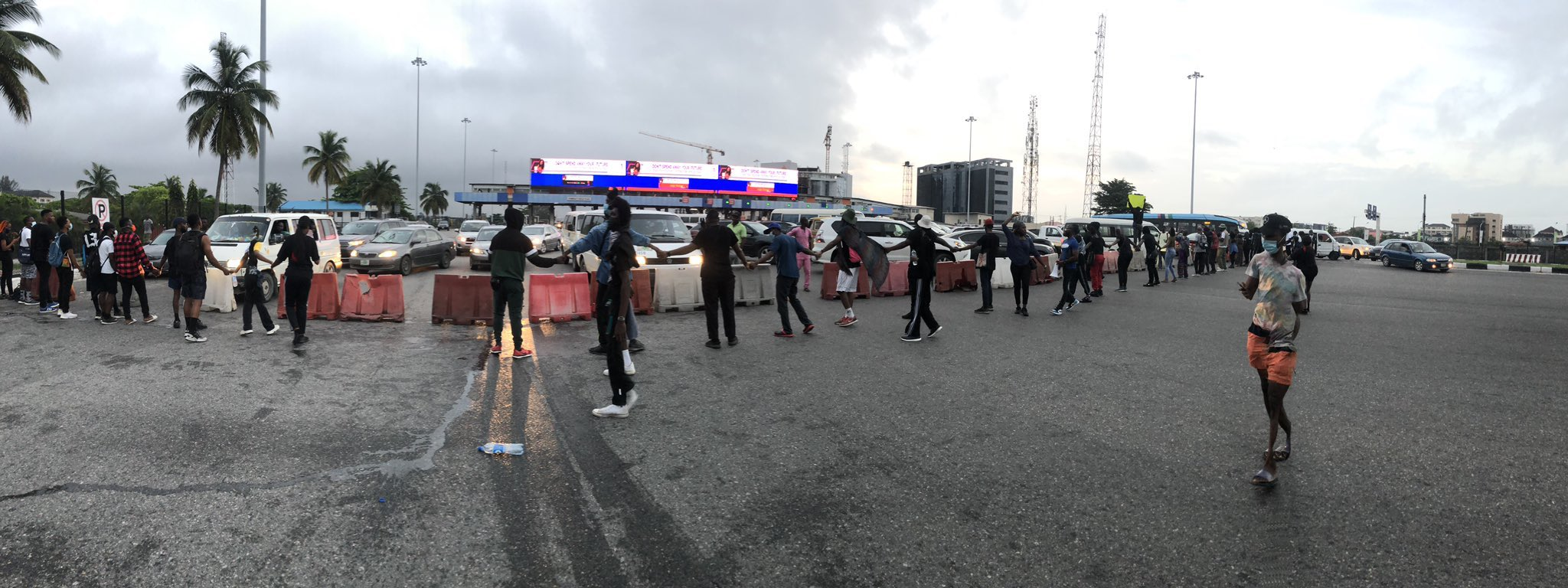 Lekki Toll Gate blocked by protesters