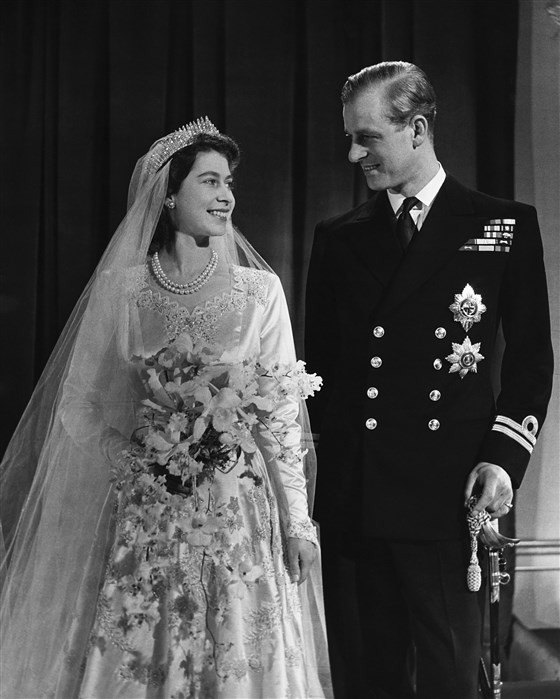 Queen Elizabeth and Prince Philip on the wedding in 1947